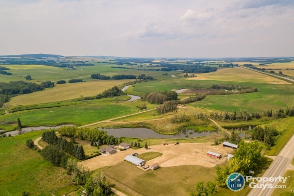 Private Sale: 40418-2 Highway 20, Bentley, Alberta