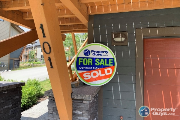 Houses for sale in Canmore, AB - PropertyGuys com