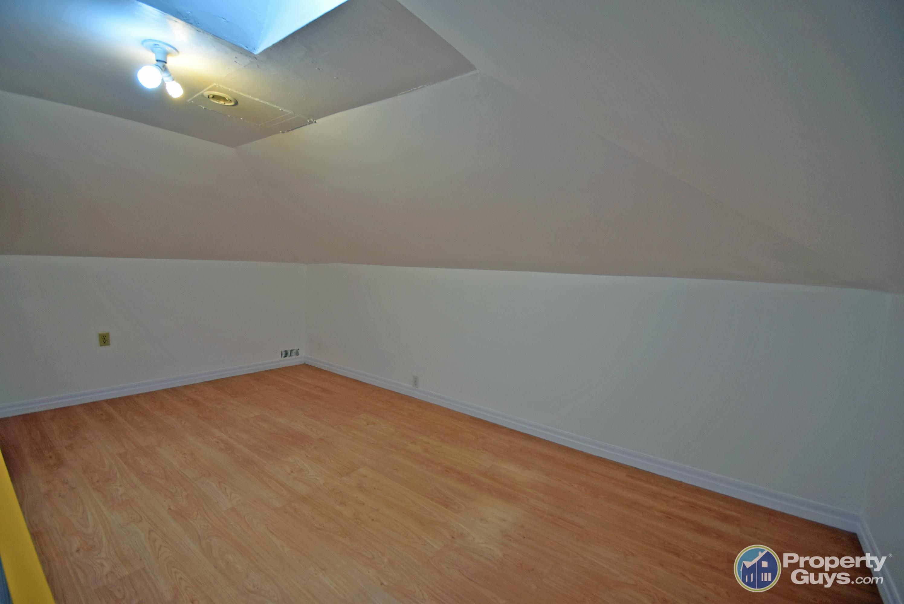 Source Flooring Victoria Street Kitchener Private Sale 231 Victoria Street North Kitchener Ontario